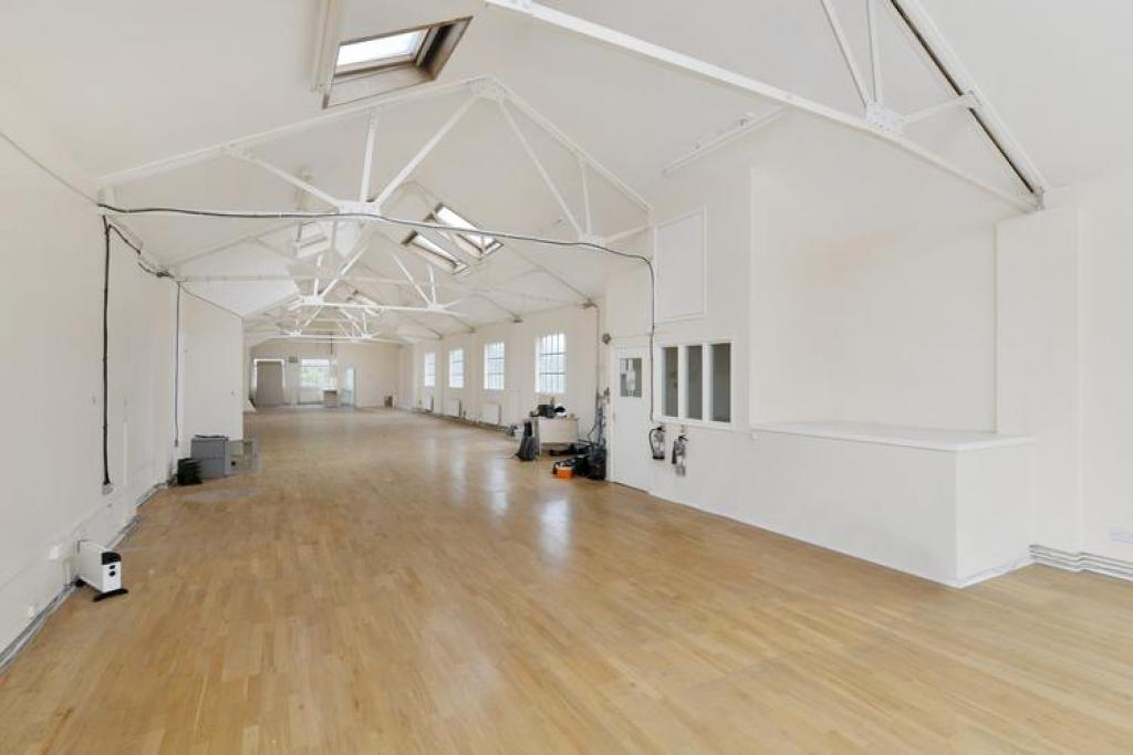 Large open plan office in Brixton 30 Acre Lane, SW2 5SG